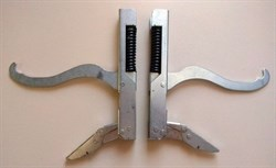 Петли двери духовки плиты GEFEST CX12388 зам. на модели 1100, 3100, 3200, 1140, 2140 (старого образца) 3100.30.0.000 - фото 27854